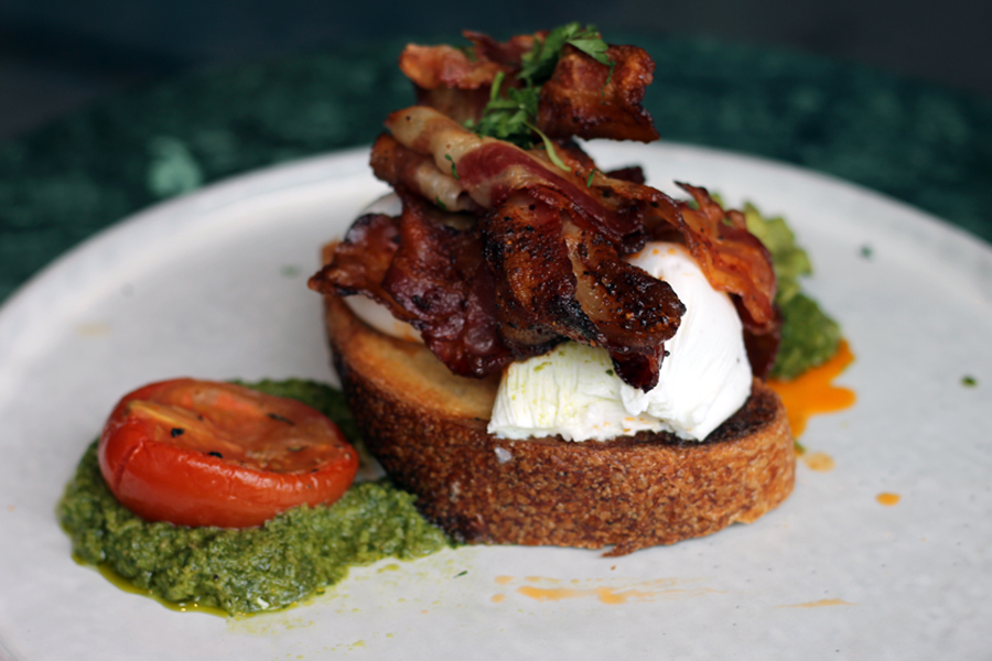 Commonground-Berlin-Breakfast-bacon-toast