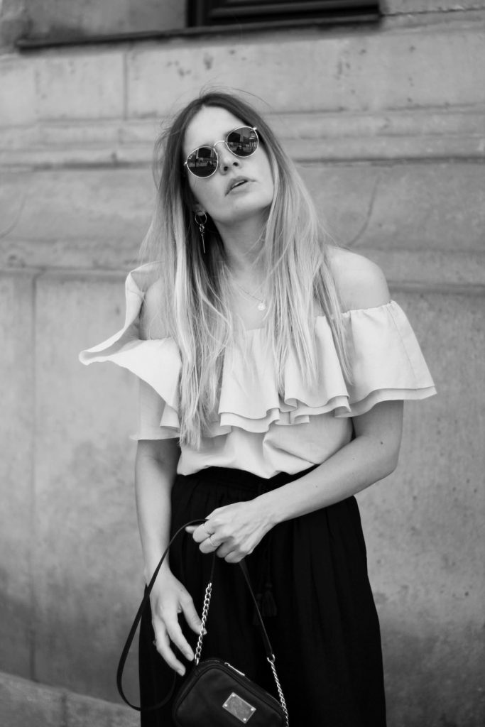 romina-mey-streetstyle-Off-Shoulder-Blouse-sunnies
