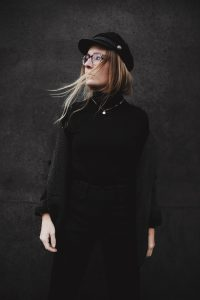 streetstyle-outfit-fashionblogger-all-black-isabel-marant-romina-mey-portrait-b
