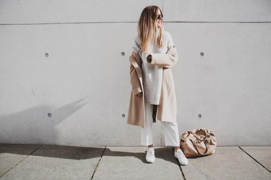 streetstyle-fashionblogger-camel-coat-romina-mey-hair