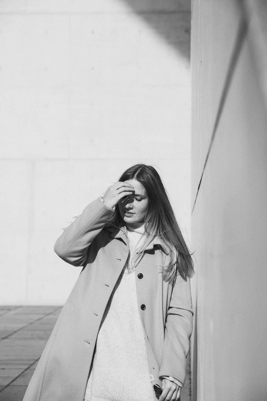 streetstyle-fashionblogger-camel-coat-romina-mey-head
