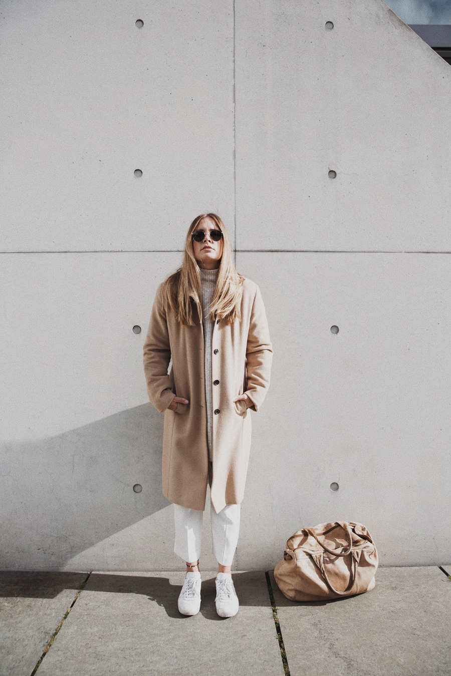 streetstyle-fashionblogger-camel-coat-romina-mey-look