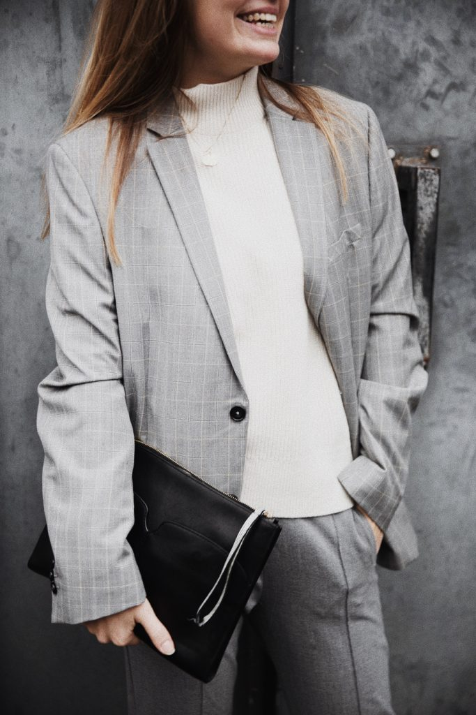 Outfit-fashionblogger-rominamey-suit-detail-ootd