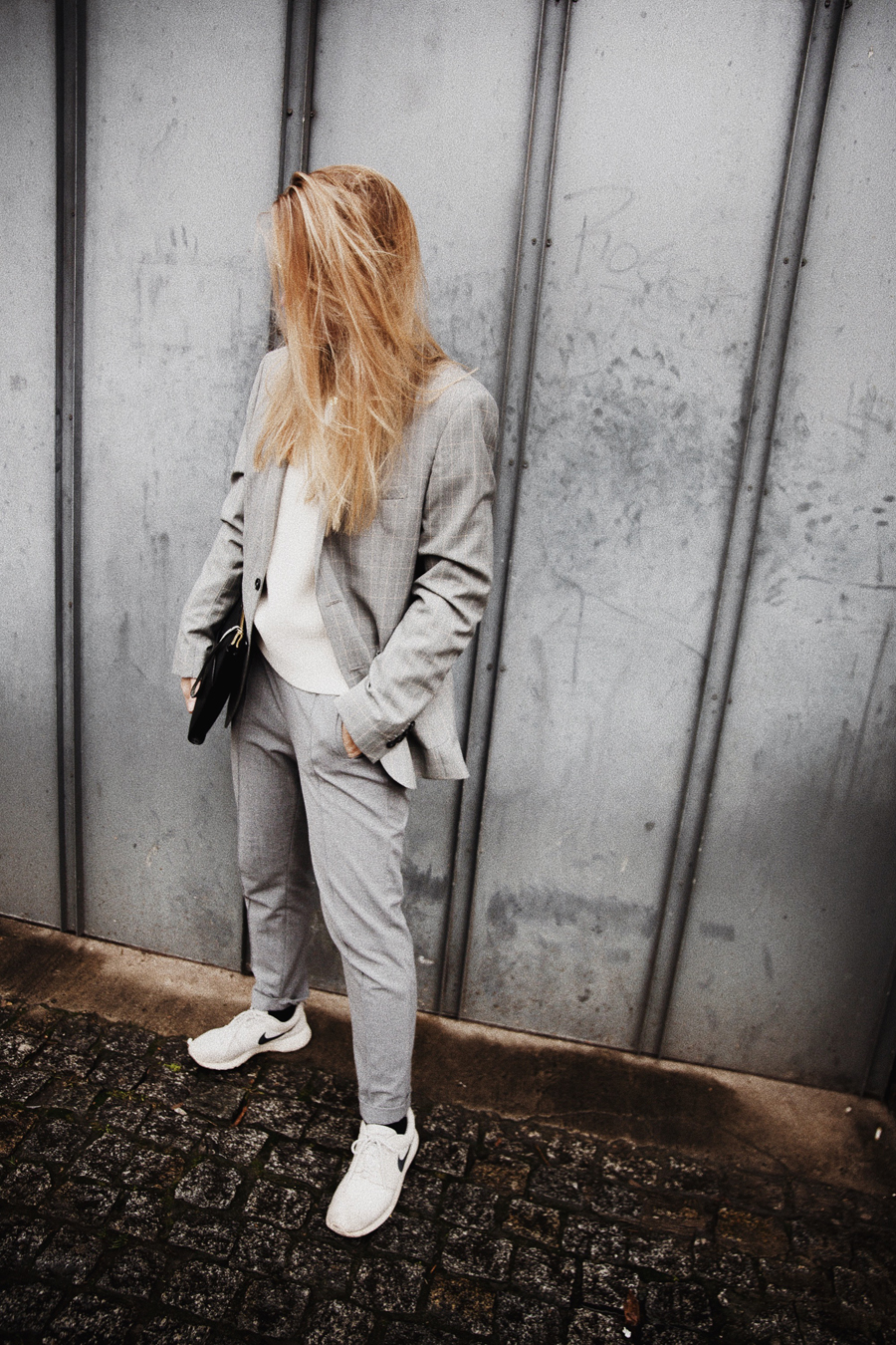 Outfit-fashionblogger-rominamey-suit-ootd-body