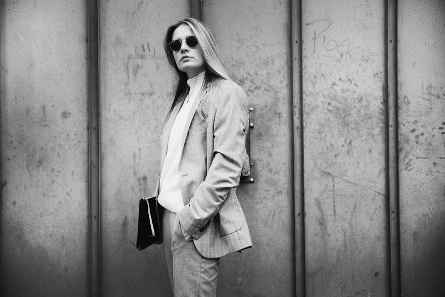 Outfit-fashionblogger-rominamey-suit-portrait-stong
