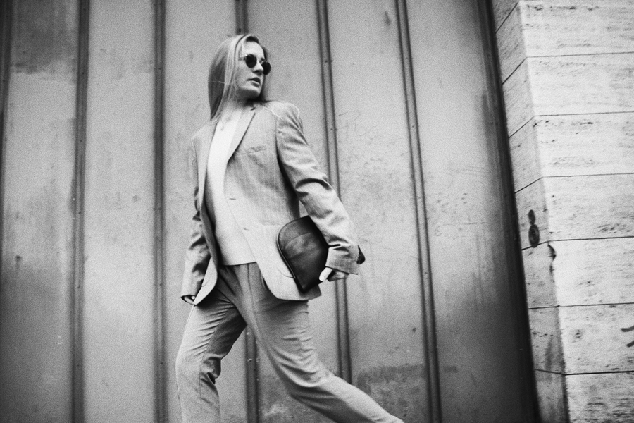 Outfit-fashionblogger-rominamey-suit-walk-ootd
