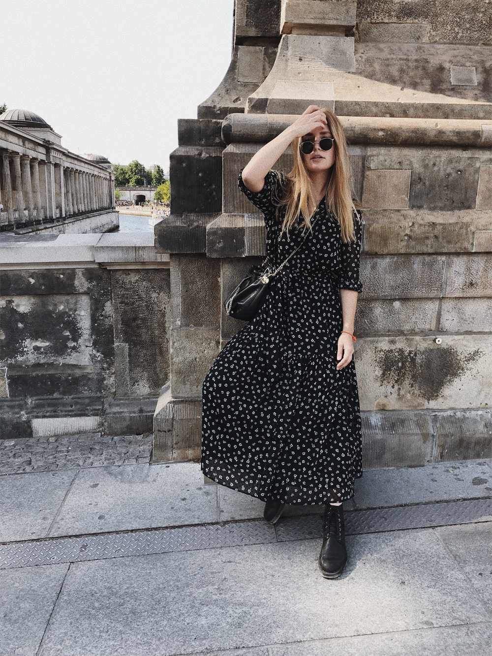 rominamey-ootd-andOtherStories-kleid-streetstyle-fashionblogger-outfit-hair