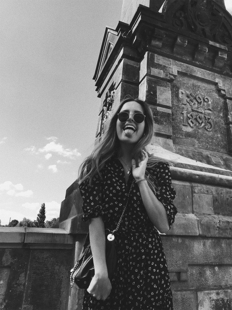 rominamey-ootd-andOtherStories-kleid-streetstyle-smile