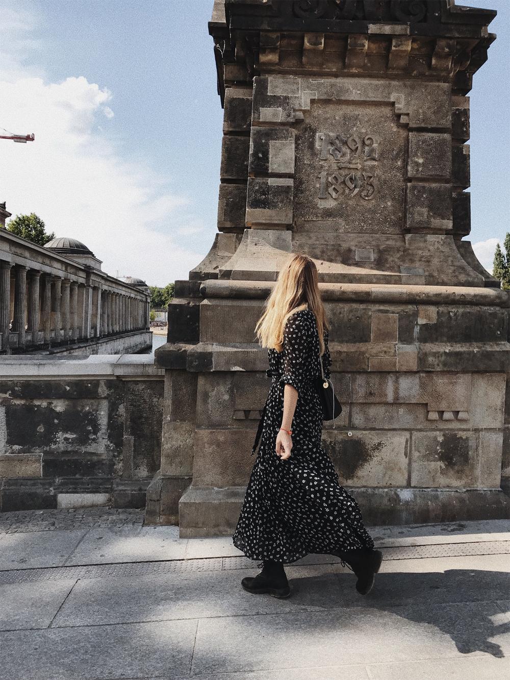 rominamey-ootd-andOtherStories-kleid-streetstyle-walk
